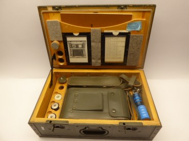 Radiation measuring device 1 type FH 40 T with service regulations in the box